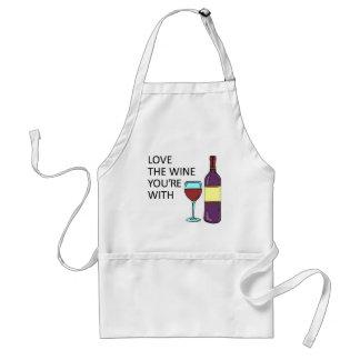 Aimez le vin que vous êtes avec le tablier drôle