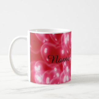 Aimez les coeurs rouges 3d, blancs et roses de mug blanc