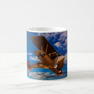 Albatros allemand dans la guerre mondiale 1 en vol mug