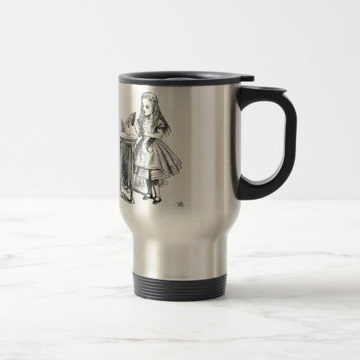 Alice au pays des merveilles - buvez-moi des produ tasses