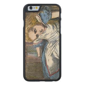 ALICE AU PAYS DES MERVEILLES COQUE CARVED® SLIM iPhone 6 EN ÉRABLE