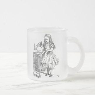Alice au pays des merveilles me boivent a givré la tasse givré