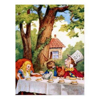 Alice au thé du chapelier fou au pays des carte postale