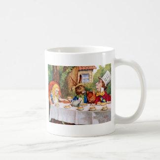 Alice au thé du chapelier fou au pays des mug blanc