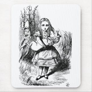 Alice avec le porc tapis de souris