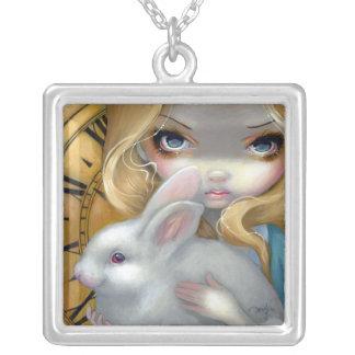Alice dans FOF blanche 141 de lapin de COLLIER du