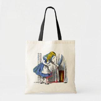 Alice au pays des merveilles sacs alice au pays des for Alice dans le miroir balthus