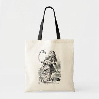 Alice essayant de jouer le croquet avec un flamant sac en toile budget