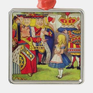 Alice et la reine des coeurs ornement carré argenté