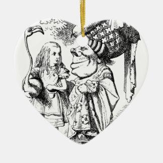 Alice et la reine rouge ornement cœur en céramique