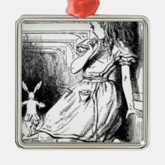 Alice et le lapin blanc ornement carré argenté