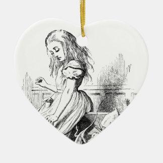 Alice et une boîte d'animaux ornement cœur en céramique