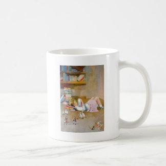 Alice prend un voyage au pays des merveilles mug