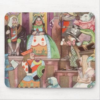 Alice vintage au pays des merveilles, reine des tapis de souris