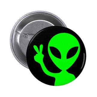 Alien de signe de paix badge rond 5 cm