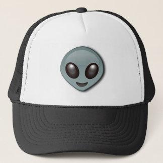 Alien observé par insecte casquette