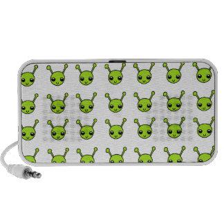Aliens verts mignons haut-parleur mobile