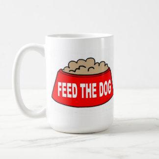 Alimentation rouge de bol d'aliments pour chiens mug blanc