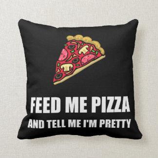 Alimentez-moi la pizza assez coussin