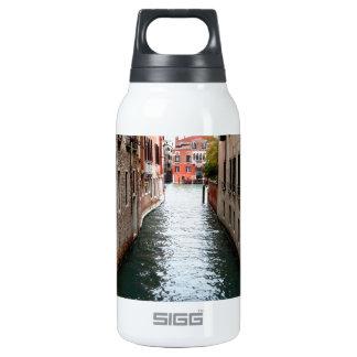 Allée de l'eau de Venise