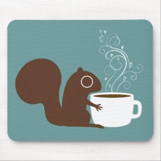 Amant de café d'écureuil tapis de souris