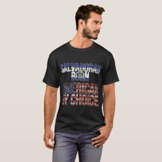 Américain né salvadorien par le drapeau national t-shirt