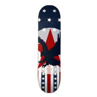 Américain patriote d'Eagle chauve de bannière Plateau De Planche À Roulettes