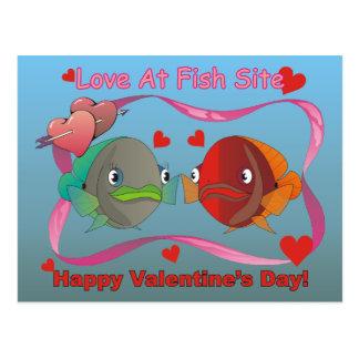 Amour au site de poissons cartes postales