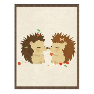 Amour de hérisson (carte postale de regard II) Carte Postale