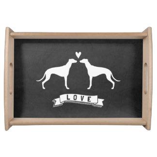 Amour de lévriers - silhouettes de chien avec le plateaux repas