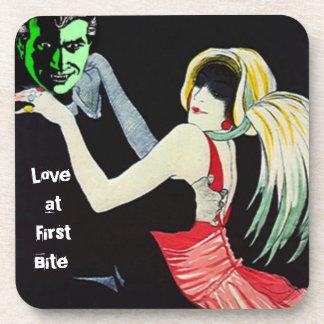 Amour de vampire de dessous de verre à la première
