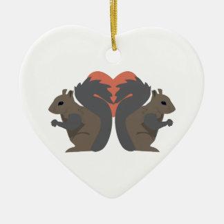 Amour d'écureuil ornement cœur en céramique
