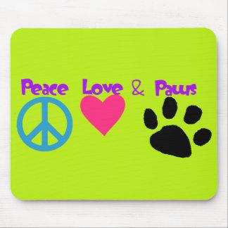 Amour et pattes de paix tapis de souris