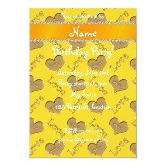 Amour nommé personnalisé de maman de coeurs d'or carton d'invitation  12,7 cm x 17,78 cm