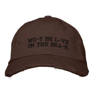 Amour sur le casquette de cerveau