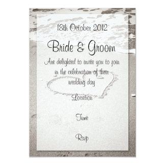 Amour sur le rivage (ton brun) carton d'invitation  12,7 cm x 17,78 cm