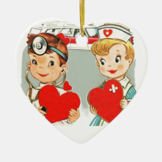 amour vintage de médecin et d'infirmière avec ornement cœur en céramique