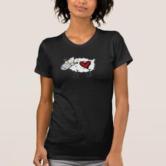 Amoureux de plouc - amour de moutons t-shirts