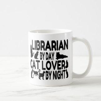 Amoureux des chats de bibliothécaire mug