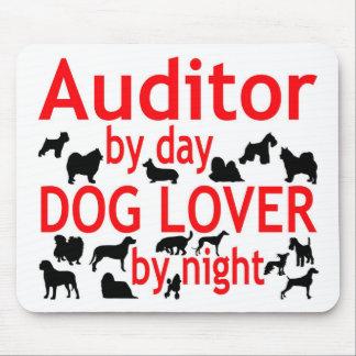Amoureux des chiens de commissaire aux comptes tapis de souris