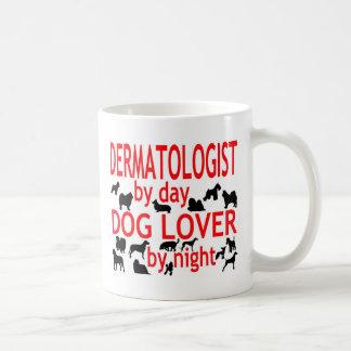Amoureux des chiens de dermatologue mug