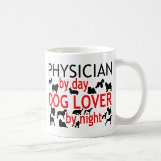 Amoureux des chiens de médecin mug