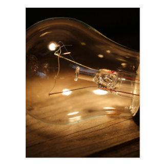 Ampoule - bois carte postale