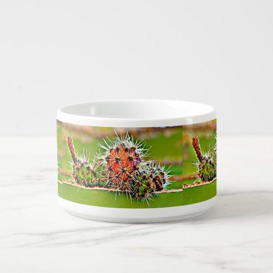 Ampoules de cactus de tuyau de fourneau dans le bol à chili