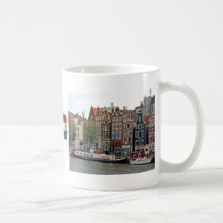 Amsterdam, maisons sur le canal mug