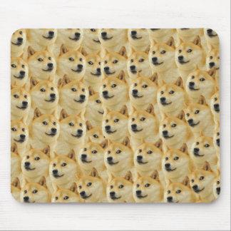 amusement de doge de shibe et meme drôle adorables tapis de souris