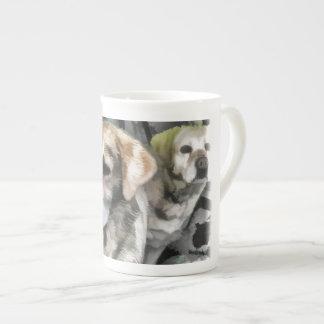 amusement de labradors dans la boue mug