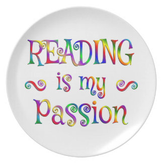 Amusement de passion de lecture assiette