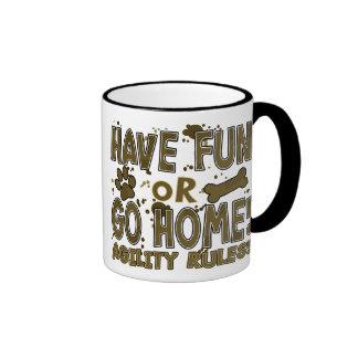 Amusement ou tasse à la maison d'agilité de chien