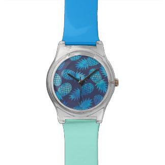 Ananas bleus de colorant de cravate montre